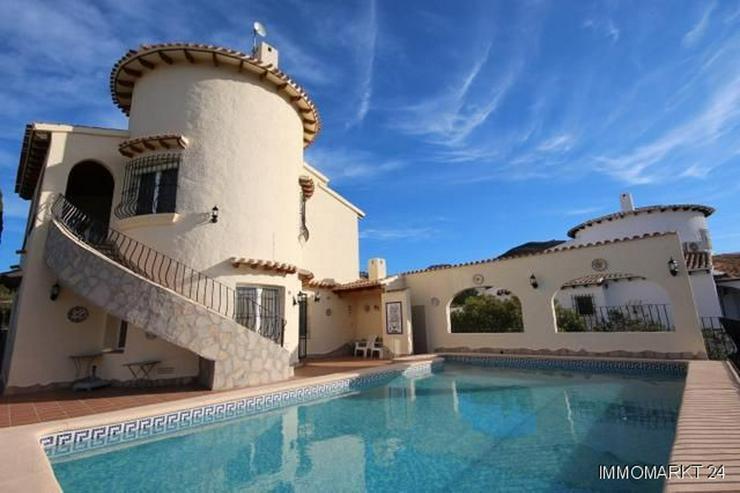 Bild 4: Sehr gepflegte Villa mit Pool und großem Einliegerapartment in herrlicher Aussichtslage a...