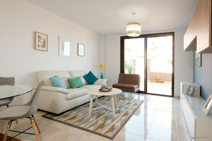 Bild 4: Moderne Erdgeschoss-Wohnungen mit 2 Schlafzimmern und Gemeinschaftspool