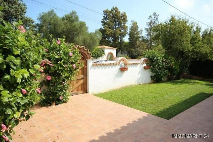 Bild 4: Gepflegte Villa mit großzügigem Garten, Carport, Pool und schönem Blick auf den Montgo