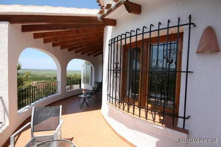 Bild 6: Schöne Villa mit Pool in herrlicher Aussichtslage