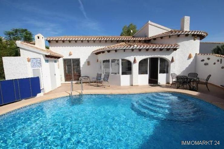 Villa mit Pool und Bergsicht auf dem Monte Pego. - Bild 1