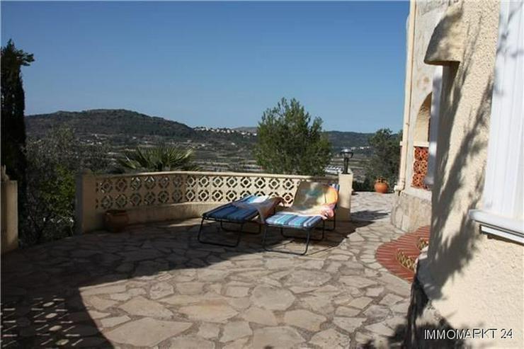 Bild 3: Gemütliche Villa mit herrlichem Blick, Einliegerwohnung, Stellplatz und Garage