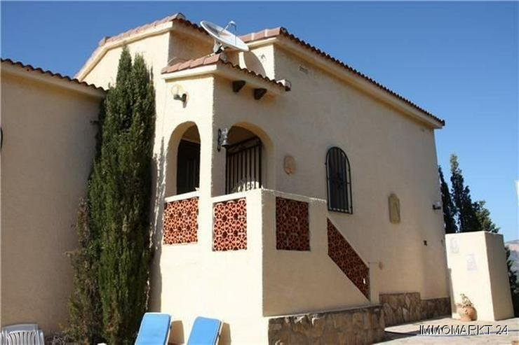 Bild 4: Gemütliche Villa mit herrlichem Blick, Einliegerwohnung, Stellplatz und Garage