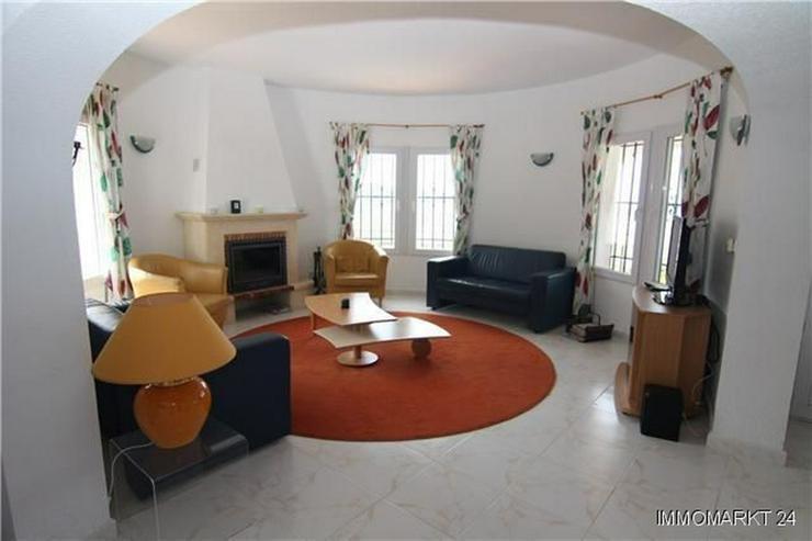 Bild 2: Äußerst großzügige und gepflegte Villa mit Meerblick am Monte Pego
