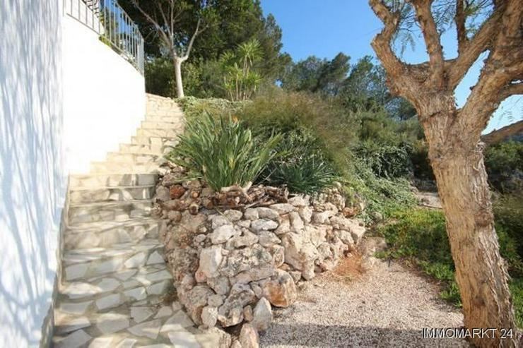 Bild 4: Moderne Villa in sonniger Aussichtslage mit Carport, Pool und BBQ