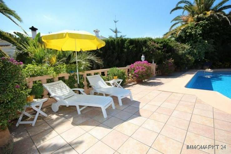 Bild 4: Villa mit Romantikzuschlag in ruhiger und sonniger Lage mit Pool, Garage und Meerblick
