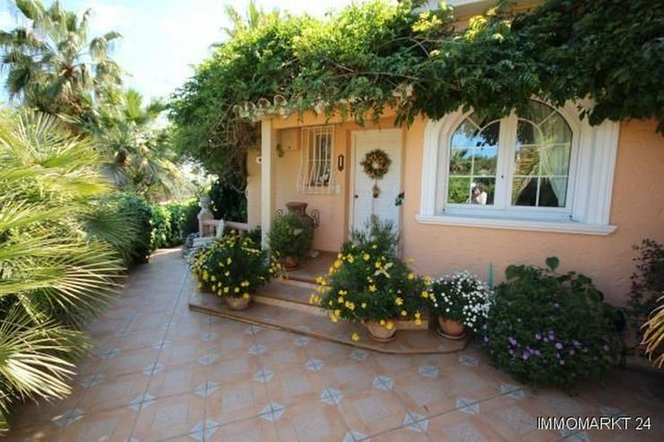 Bild 6: Villa mit Romantikzuschlag in ruhiger und sonniger Lage mit Pool, Garage und Meerblick