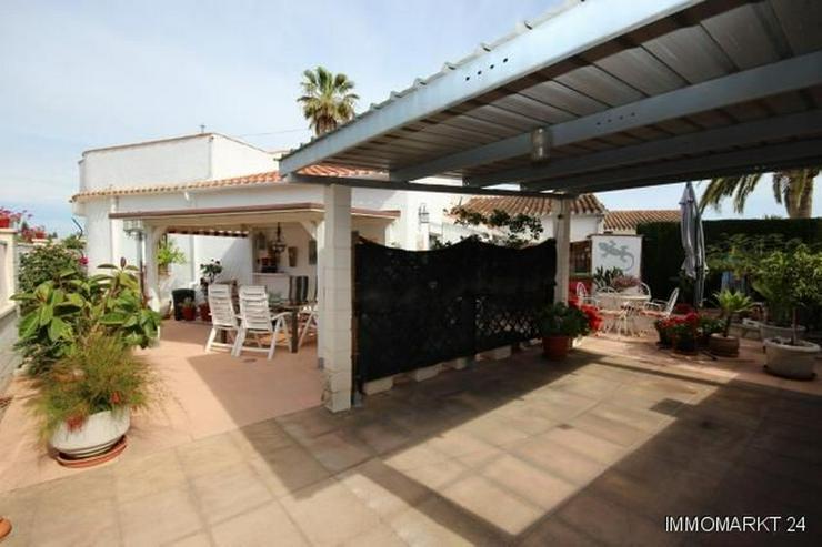 Sehr gepflegtes sonniges Haus mit Dachterrasse mit Bergblick und Carport - Haus kaufen - Bild 1
