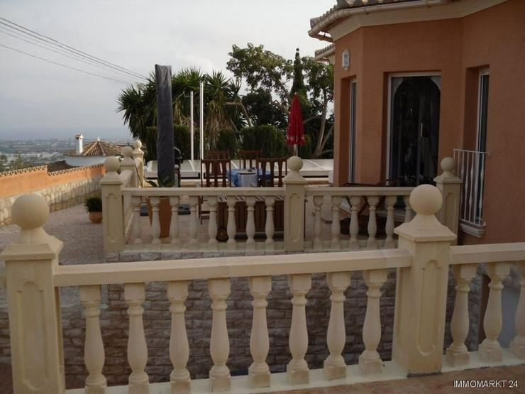 Bild 2: Neuwertige Villa mit Pool in Marquesa VI