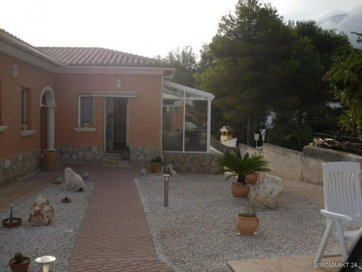 Bild 3: Neuwertige Villa mit Pool in Marquesa VI