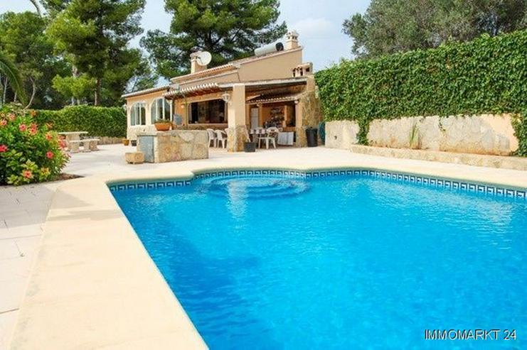 Villa mit großem Pool in Cansalades - Bild 1