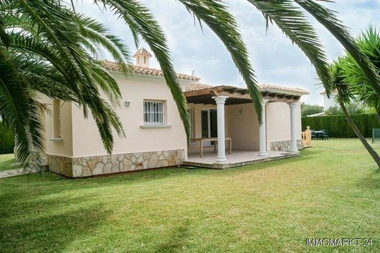 Bild 2: Villa mit großem Pool in Cansalades