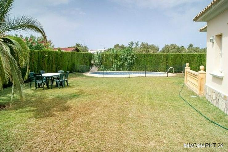 Bild 3: Villa mit großem Pool in Cansalades