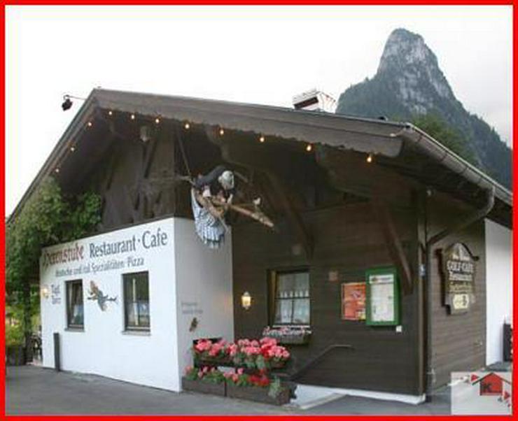Gemütliche Gaststätte mit Minigolfplatz