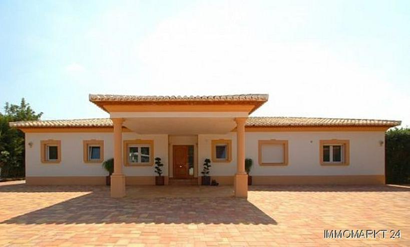 Bild 2: Luxusvilla mit Gästehaus und Pool auf dem Montgo