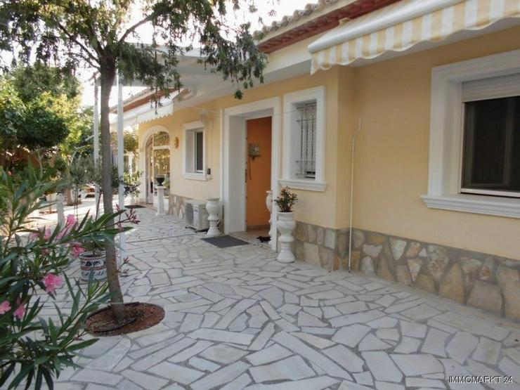 Moderne Villa in Las Troyas - Haus kaufen - Bild 1