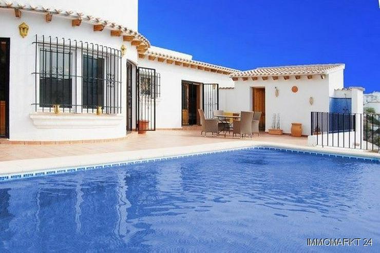 Villa mit Pool am Monte Pego - Bild 1