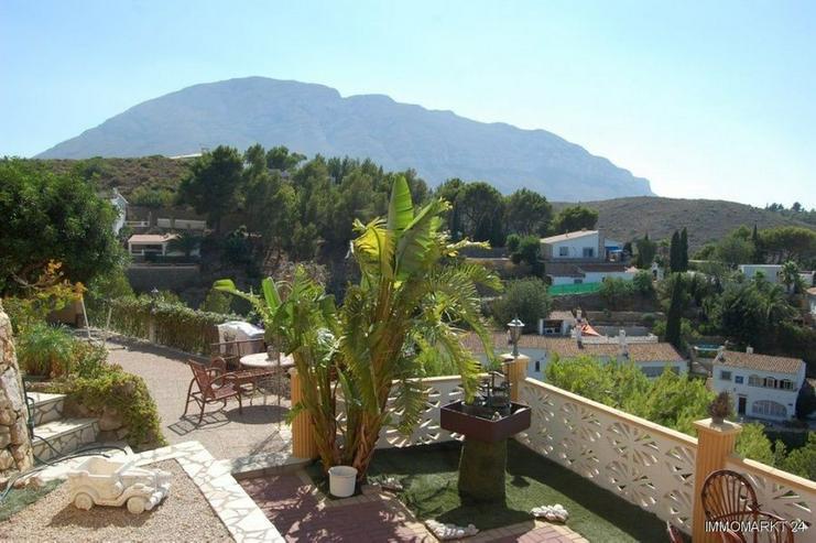 Bild 2: Villa mit zwei separaten Wohnungen und Meerblick