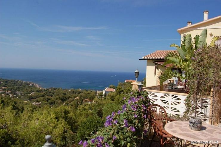 Villa mit zwei separaten Wohnungen und Meerblick - Haus kaufen - Bild 1