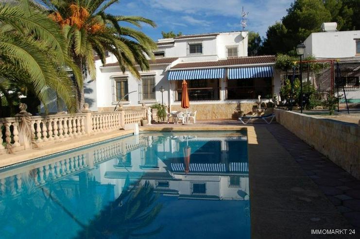 Großzügige Villa mit Pool in Javea - Bild 1