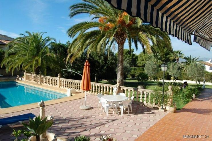 Bild 3: Großzügige Villa mit Pool in Javea