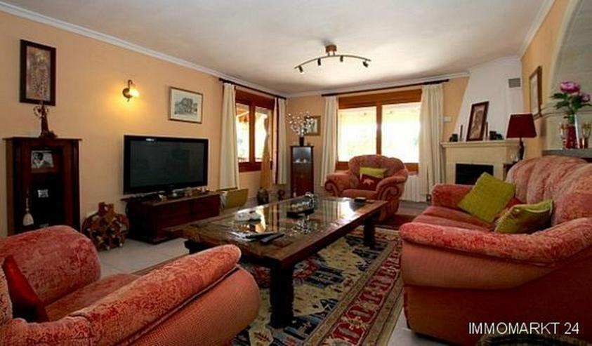 Bild 2: Landhaus-Villa mit wunderschöner Natursteinfassada und zwei Wohneinheiten in Tarraula