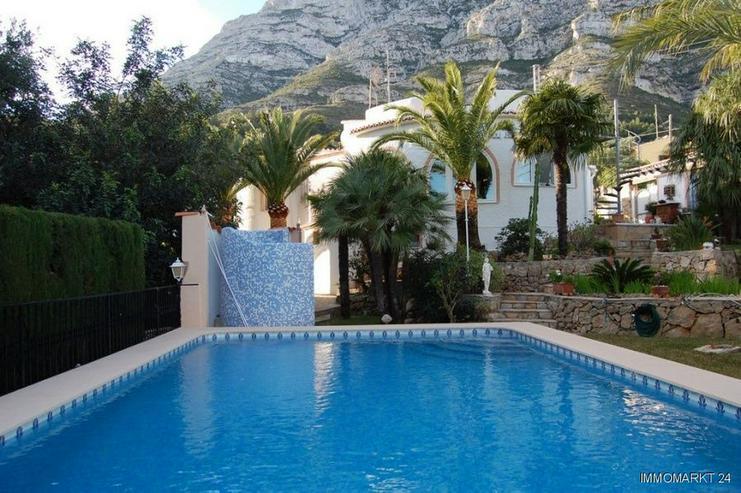 Villa mit Pool und Meerblick - Haus kaufen - Bild 1