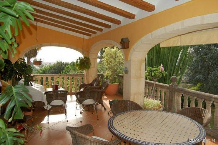 Bild 2: Überaus großzügige Villa in Javea-Puchol