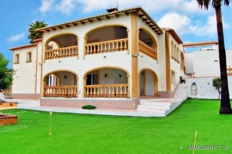 Großzügige Villa mit Pool in Santa Lucia - Haus kaufen - Bild 1