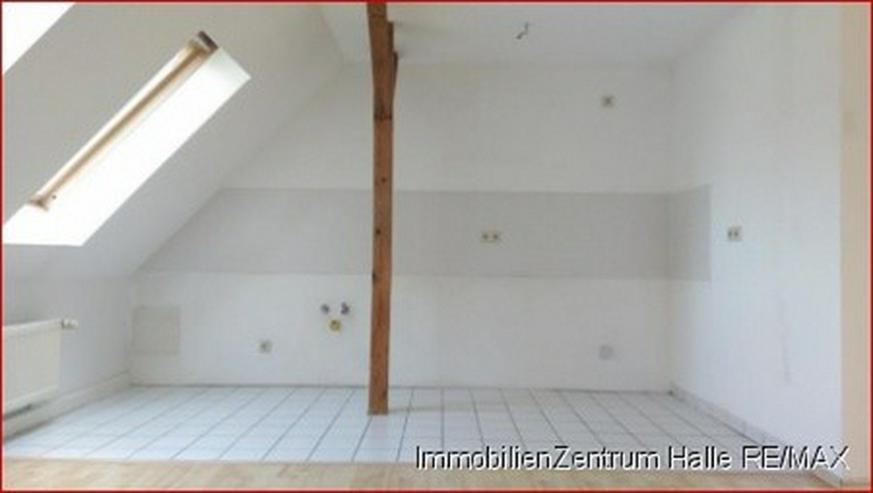 Bild 2: Schicke 3-Raum DG Wohnung mit offener Küche, hellem Laminat in der Südstadt/ Rosengarten...