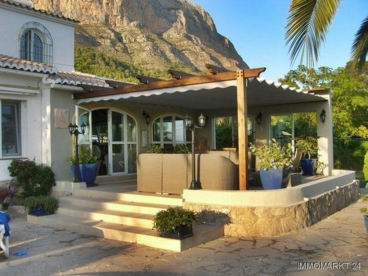 Bild 6: Villa mit wunderschönem Garten und Privatpool