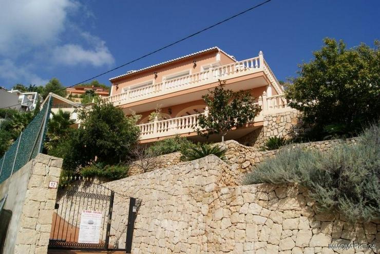 Bild 5: Großzügige Villa mit Pool und Garage