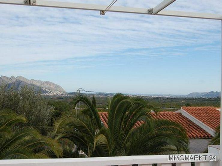 Bild 3: Villa mit Pool am Ortsrand von Orba