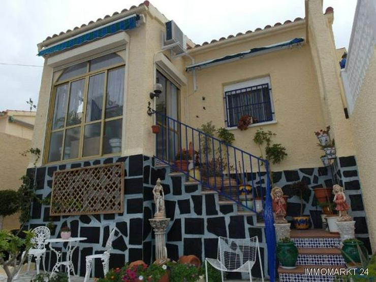 Bild 2: Sehr gepflegte Villa mit 2 Wintergärten und Garage