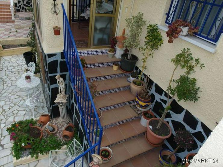 Bild 3: Sehr gepflegte Villa mit 2 Wintergärten und Garage