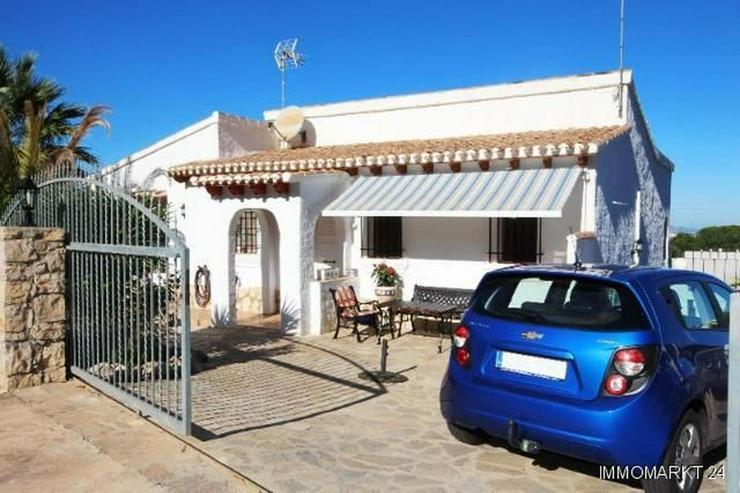 Villa mit Pool und Bergsicht auf dem Monte Pego - Haus kaufen - Bild 1