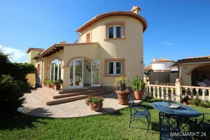 Sehr gepflegte Villa in bevorzugter Wohnlage - Haus kaufen - Bild 1
