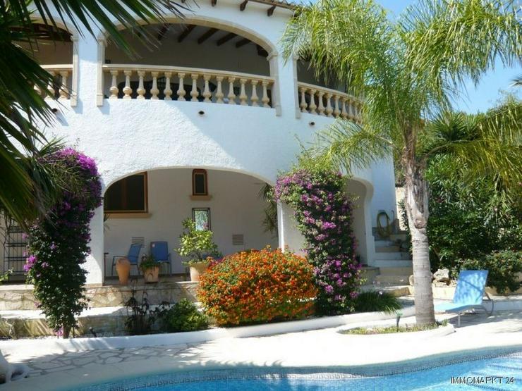 Phantastische Villa mit Panorama- und Meerblick - Bild 1
