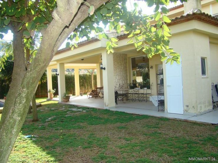Bild 2: Wunderschöne und komfortable Villa mit Pool