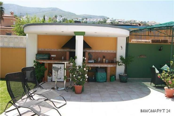 Bild 6: Luxuriöse Villa mit Privatpool und Garage in bevorzugter Wohnlage