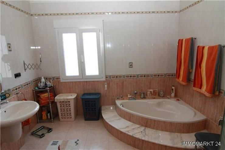 Bild 5: Luxuriöse Villa mit Privatpool und Garage in bevorzugter Wohnlage