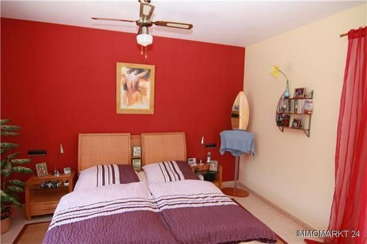 Bild 4: Luxuriöse Villa mit Privatpool und Garage in bevorzugter Wohnlage
