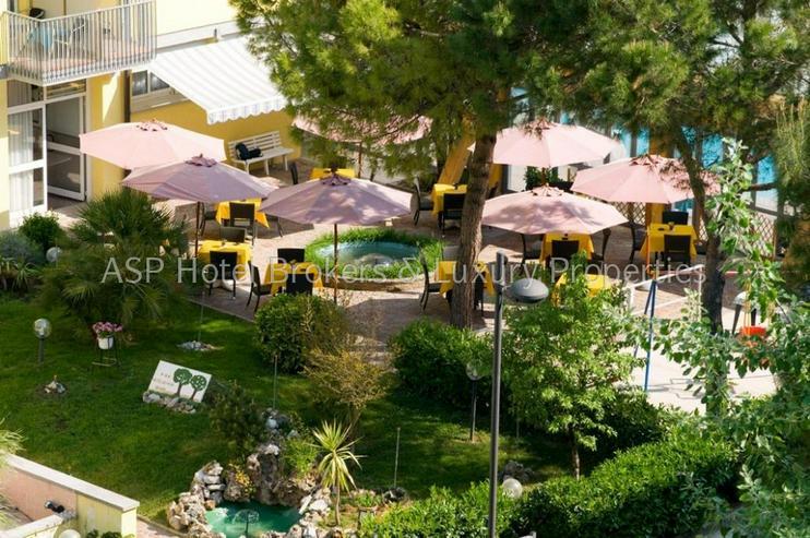 Bild 4: 3-Sterne Ferienhotel in Grado / Adria ca. 100 Meter vom Strand mit Parkgrundstück zu verk...