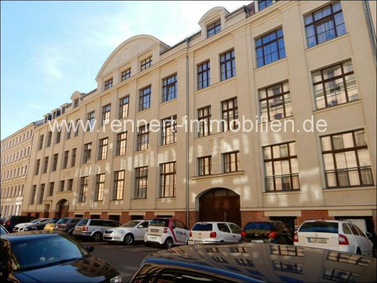 Bild 2: +++Dachgeschoss: Extravagante 4-Raumwohnung mit modernen Bädern und Dachterrasse in Stadt...