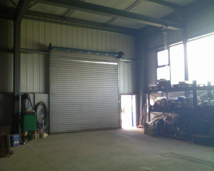 Bild 2: Werkhalle im Gewerbegebiet