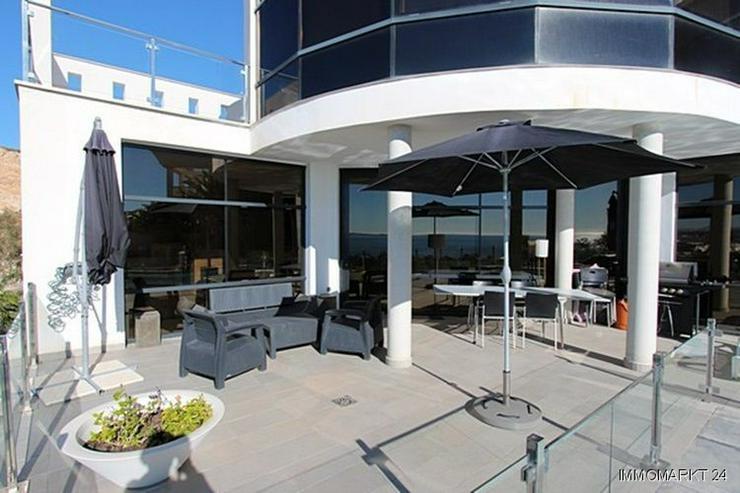 Bild 6: Moderne Designer-Villa mit einmaligem Küsten- und Meerblick