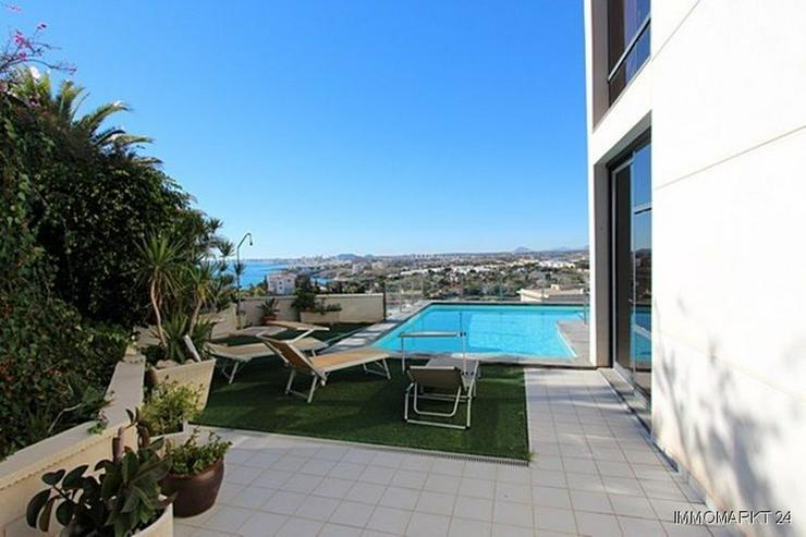 Bild 5: Moderne Designer-Villa mit einmaligem Küsten- und Meerblick