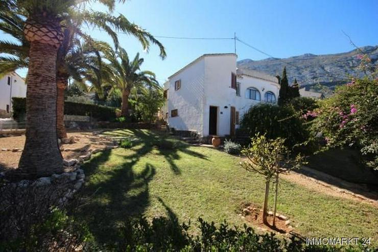 Stadtnahe Villa mit Aussichtsterrasse - Haus kaufen - Bild 1