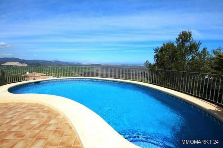 Bild 2: Sonnige Villa mit Pool und einer sensationellen Aussicht auf Berge und Meer am Monte Pego
