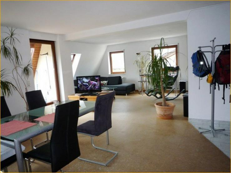 Leonberg/ Eltingen: Großzügige, Licht durchflutete 3,5-Zimmer-Wohnung mit großem Südba...